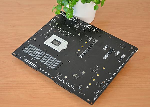 https://www.techtesters.eu/pic/ASROCKZ270EXTREME4/310.jpg