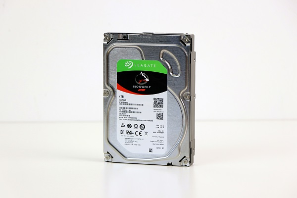 https://www.techtesters.eu/pic/HDD4TBNAS/306.jpg