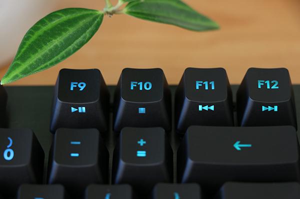 https://www.techtesters.eu/pic/LOGITECHG513/404.jpg