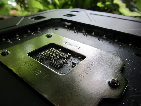 https://www.techtesters.eu/pic/MSI-Z170A-GAMING-M9-ACK/IMG_6208.JPG