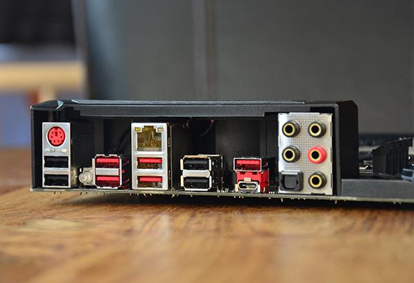 https://www.techtesters.eu/pic/MSIX99CARBON6950X/320.jpg