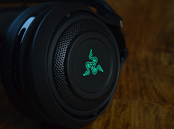 https://www.techtesters.eu/pic/RAZERMANOWAR/703.jpg