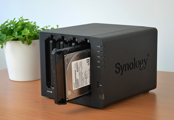 https://www.techtesters.eu/pic/SYNOLOGY916/452.jpg