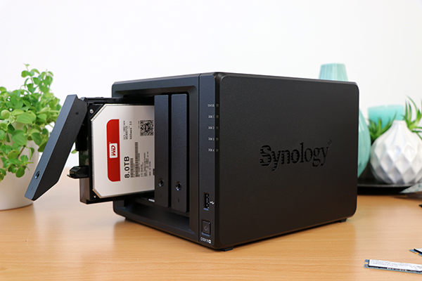 https://www.techtesters.eu/pic/SYNOLOGY918/327.jpg