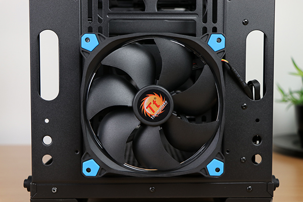 https://www.techtesters.eu/pic/THERMALTAKEVIEW71/423.jpg