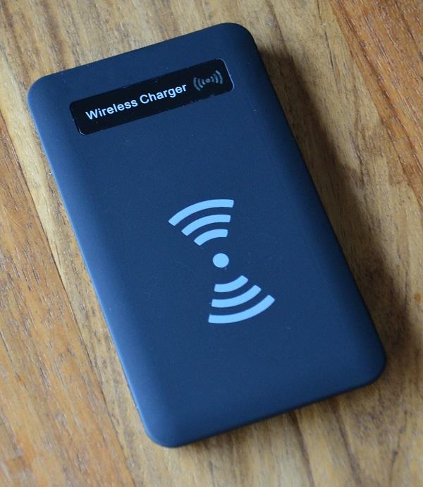 https://www.techtesters.eu/pic/WirelessCharge/303.JPG
