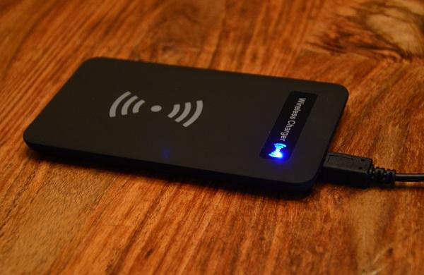 https://www.techtesters.eu/pic/WirelessCharge/305.JPG